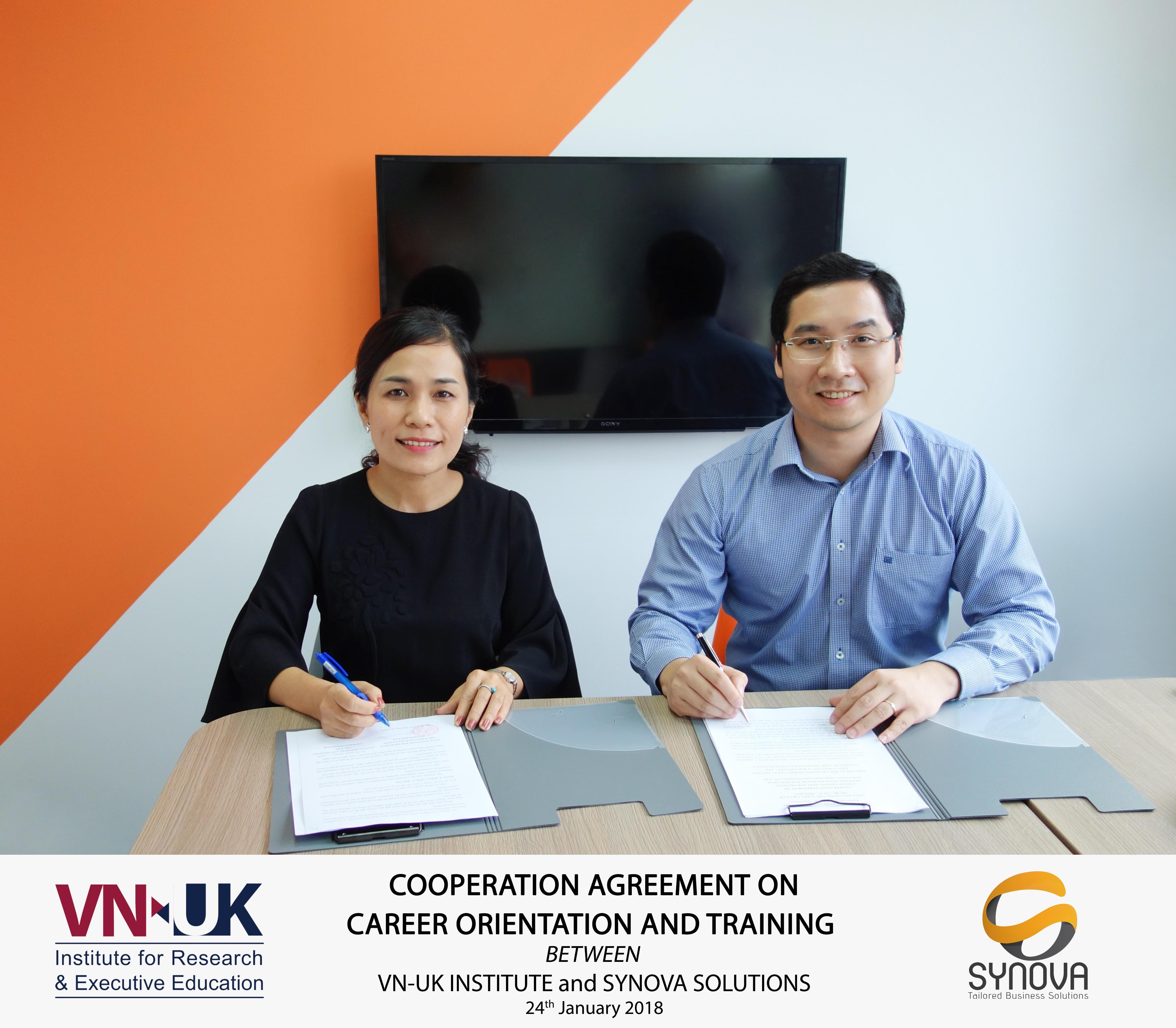 Hợp tác hướng nghiệp và đào tạo giữa VNUK và Công ty TNHH Synova Solution
