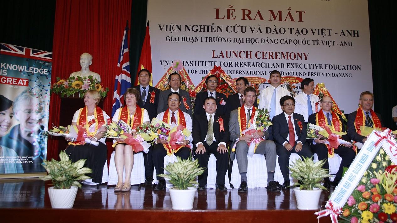 Lễ ra mắt Viện Nghiên cứu và Đào tạo Việt - Anh VNUK